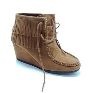Wallby Wedges |  size 9